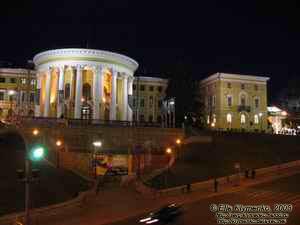 До революции 1917 года. дворец служил.  1900х.  Октябрьский дворец. в Киеве. центром... зодчим.  Институтская.