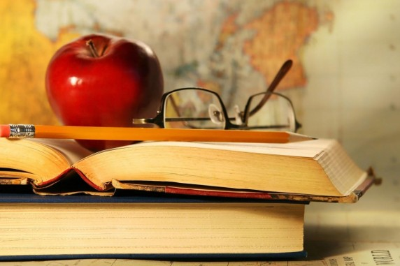 Сьогодні, 3 березня - Всесвітній день письменника