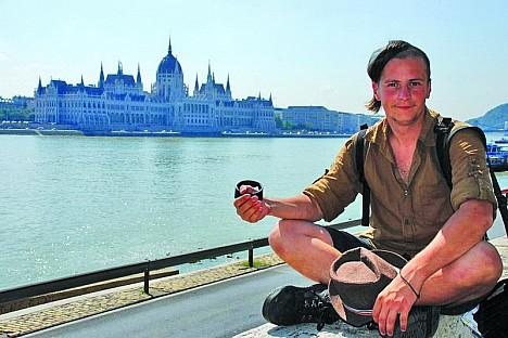 Андрій Мочурад не може жити без подорожей. Каже, вони його надихають
