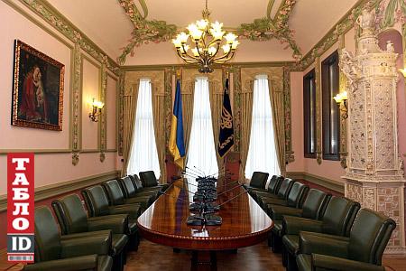 Кімната для переговорів (фото 2007 р., з сайту tabloid.pravda.com.ua)
