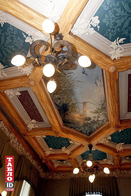 Стеля нині гардеробної кімнати (фото 2007 р., з сайту tabloid.pravda.com.ua)