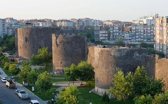 Фортечні стіни Діярбакира і сади Хавсал, Туреччина telegraph.co.uk